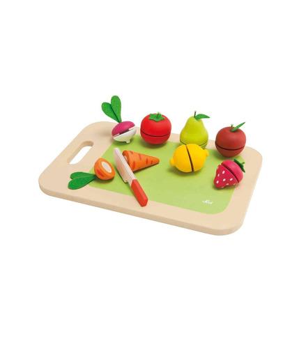 Deska do krojenia z owocami i warzywami
