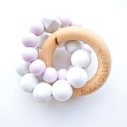 LouLou Lollipop, Gryzak Drewniany z Koralikami Trinity  Lilac