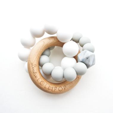 LouLou Lollipop, Gryzak Drewniany z Koralikami Trinity COOL GRAY