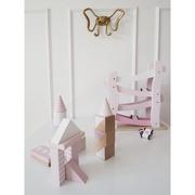 JaBaDaBaDo, Drewniana zjeżdżalnia dla aut różowa