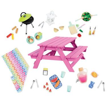 Our Generation, Ławostolik piknikowy – z mnóstwem akcesoriów, m.in. grill, obrus, świecąca latarenka, naczynia, akcesoria