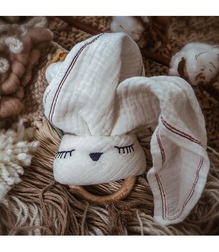 Hi Little One, Przytulanka muślinowa z gryzakiem Sleepy Bunny cozy muslin with wood teether White