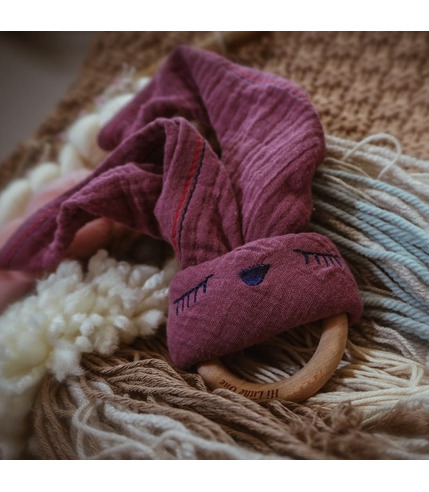 Hi Little One, Przytulanka muślinowa z gryzakiem Sleepy Bunny cozy muslin with wood teether Lavender