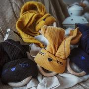 Hi Little One, Przytulanka muślinowa z gryzakiem Sleepy Bunny cozy muslin with wood teether Black