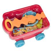 Wózek-wagonik z wygodną rączką, wypełniony akcesoriami do zabawy w piasku czerwony