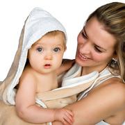 Ręcznik w formie fartucha Cuddledry Baby beżowy
