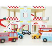 Indigo Jamm, Drewniany garaż, parking wielopoziomowy