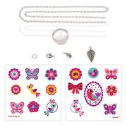 Janod, Zestaw artystyczny do tworzenia biżuterii z kurczliwego plastiku Motyle